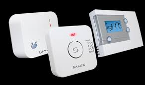 Salus RT500ROF 7 day RF Programmable Stat with one touch energy overide